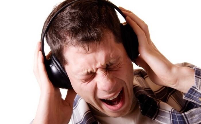 kulaklik-ile-muzik-dinlemenin-zararlari